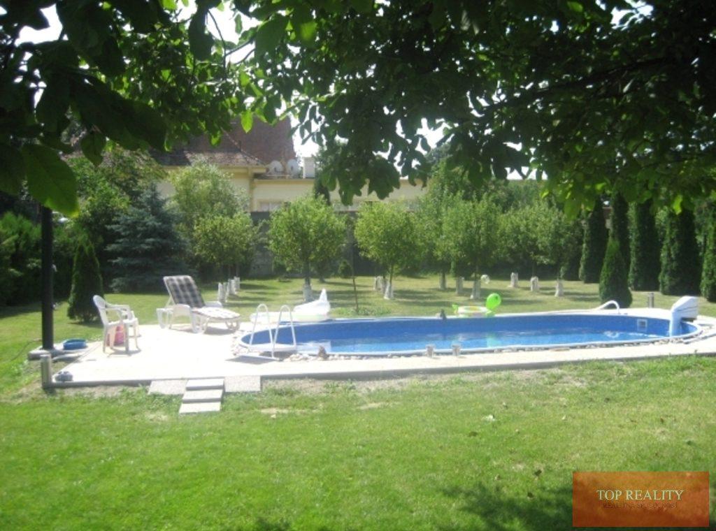 Topreality Rs.sk 5 Izbový Rodinný Dom S Krásnym Pozemkom 1505 M2 Garážou A Bazénom Sládkovičovo 8