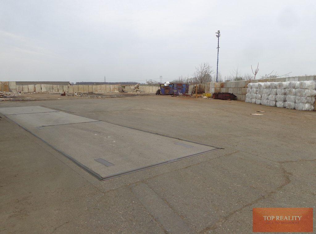 Topreality Rs.sk Hľadáte Priestory Pre Vašu Firmu Kancelárie Skladové Priestory Parkovacie Priestory 11