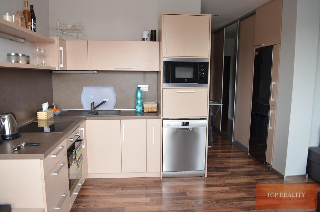 Topreality Rs.sk Luxusný 2 Izbový Byt Komplet Zariadený V Seredi Minimálne Náklady Na Bývanie Komplet 60 Eur 8