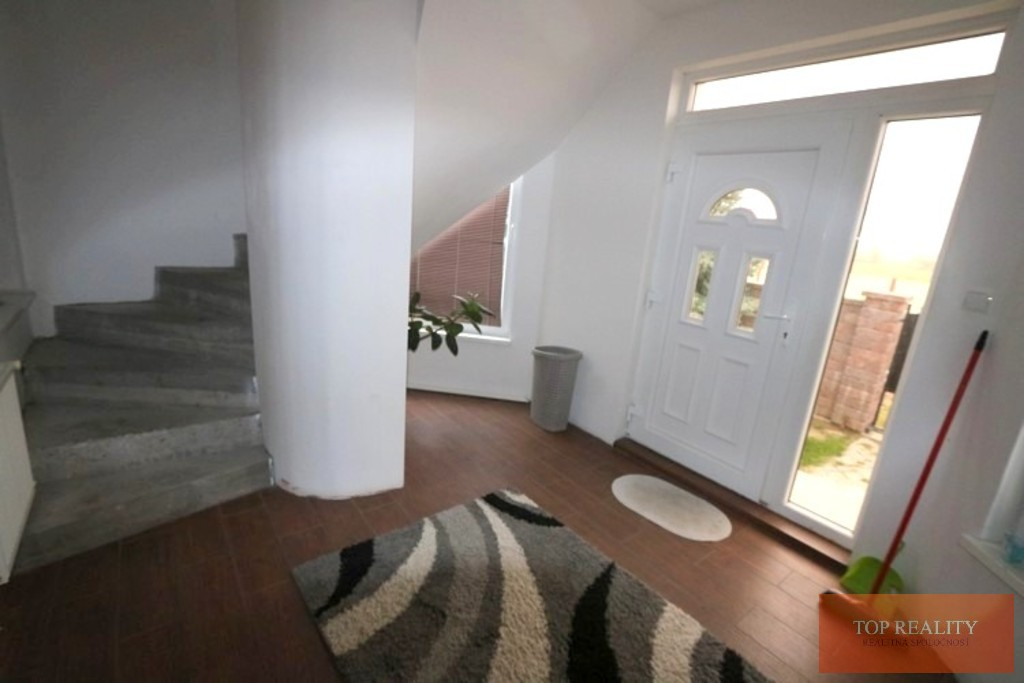 Topreality Rs.sk Na Prenájom 3 A 4 Izbový Byt Obývateľný Suterén 330 M2 Pozemok 800 M2 Veľké Úľany 2