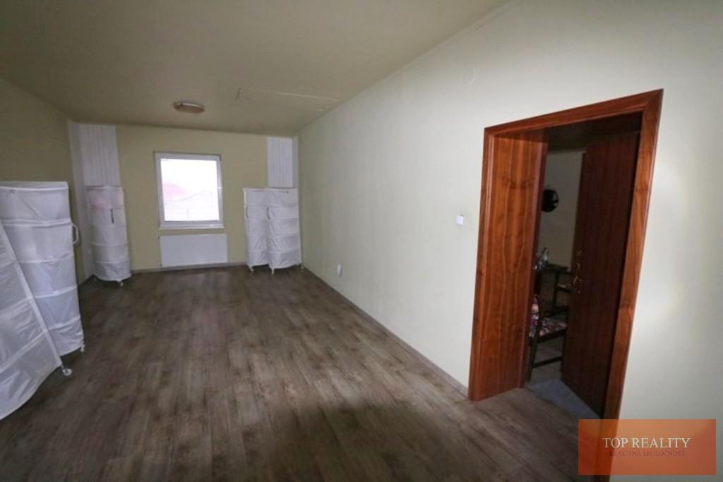 Topreality Rs.sk Na Prenájom 3 A 4 Izbový Byt Obývateľný Suterén 330 M2 Pozemok 800 M2 Veľké Úľany 20