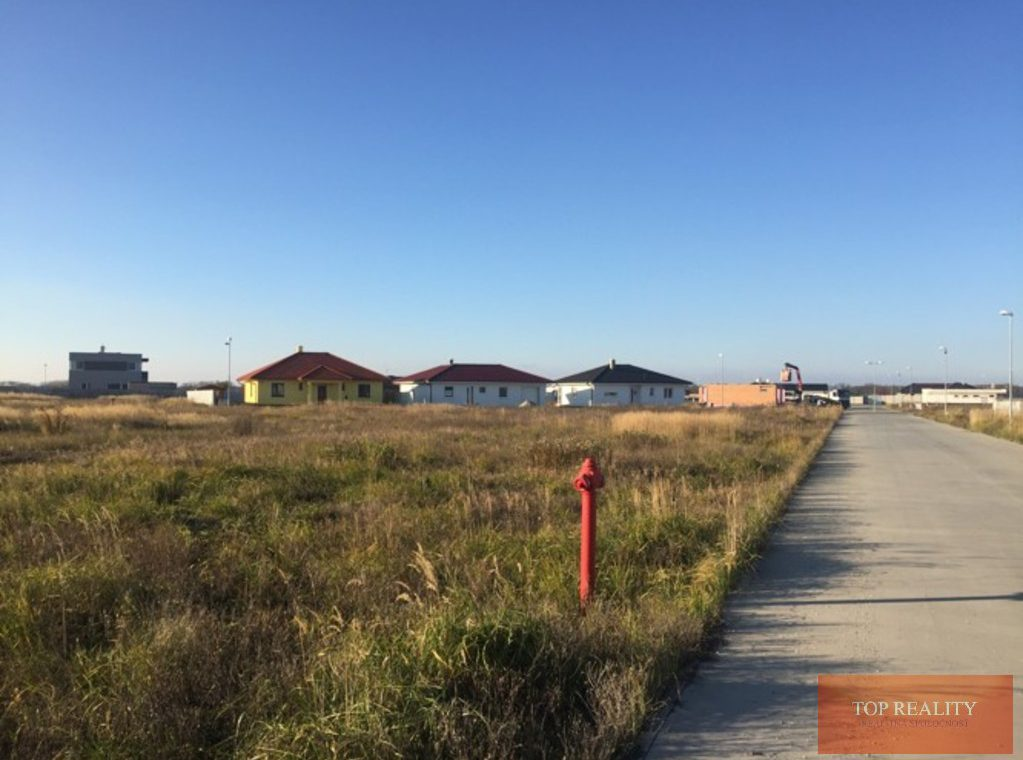 Topreality Rs.sk Stavebný Pozemok V Novej štvrti Medzi Obcami Veľké Úľany A Jelka 57 € M2 Vrátane Dph 1