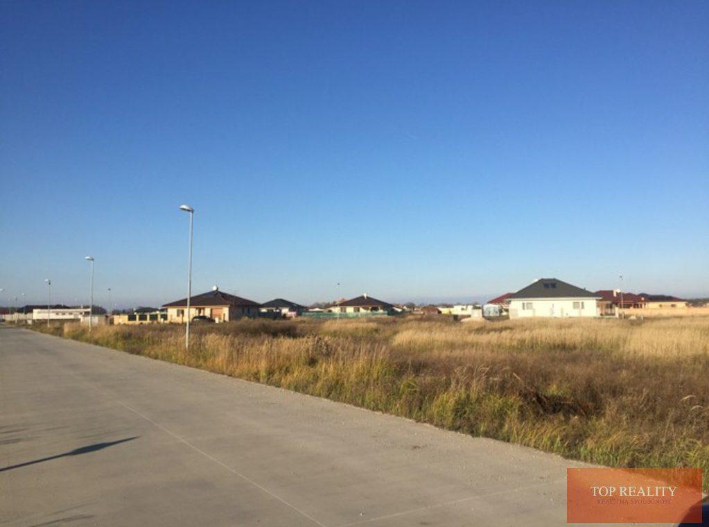 Topreality Rs.sk Stavebný Pozemok V Novej štvrti Medzi Obcami Veľké Úľany A Jelka 57 € M2 Vrátane Dph 2
