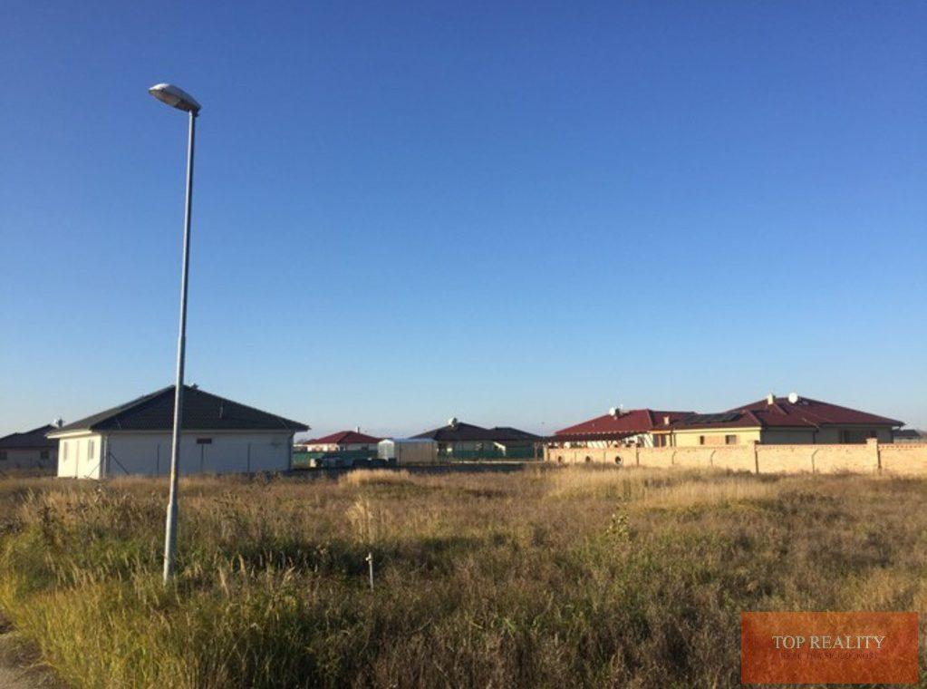 Topreality Rs.sk Stavebný Pozemok V Novej štvrti Medzi Obcami Veľké Úľany A Jelka 57 € M2 Vrátane Dph 9